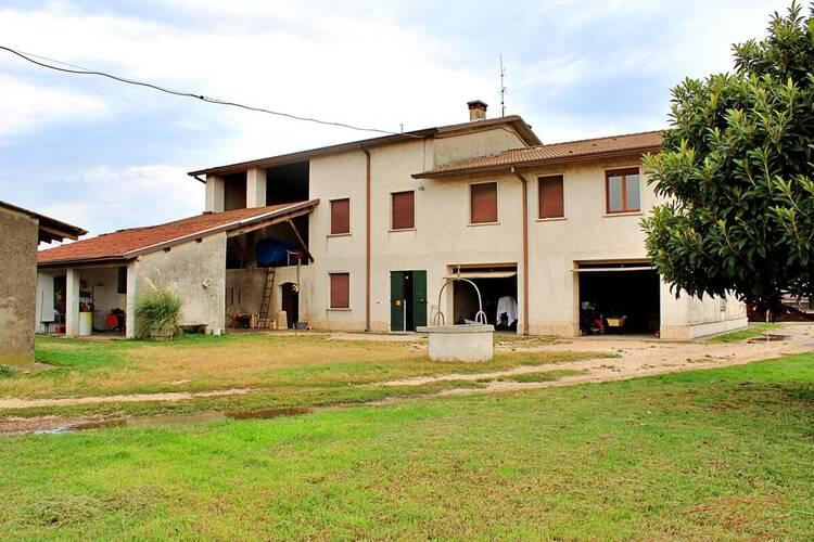 Casale Residenziali in vendita